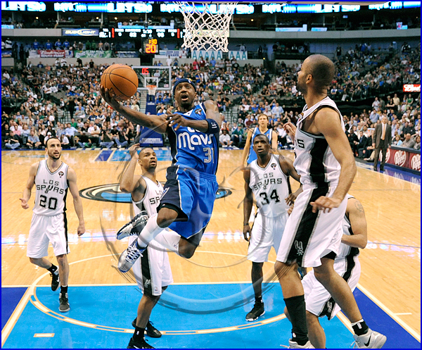 Jason Terry #31 goes in for a lay up