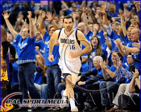 Los Angeles Lakers vs Dallas Mavericks Playoffs Peja Stojakovic