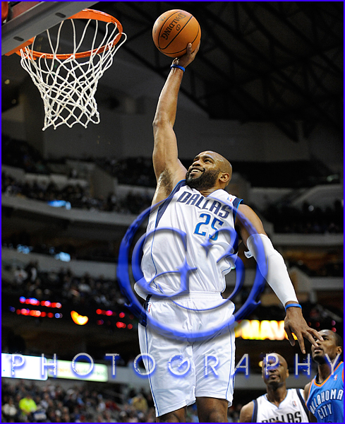 Oklahoma City Thunder vs Dallas Mavericks Vince Carter #25
