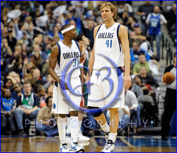 NBA Milwaukee Bucks vs Dallas Mavericks JAN 13 Jason Terry and Dirk Nowitzki