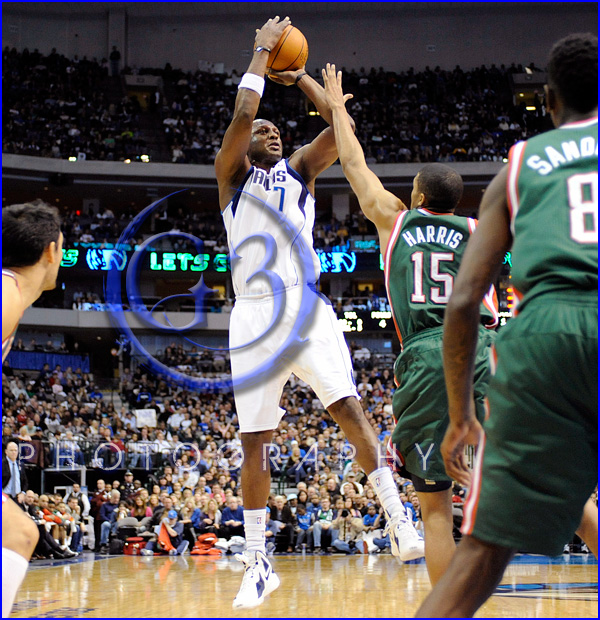 NBA Milwaukee Bucks vs Dallas Mavericks JAN 13 Lamar Odom