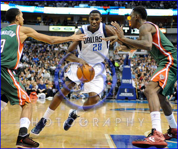 NBA Milwaukee Bucks vs Dallas Mavericks JAN 13 Ian Mahinmi