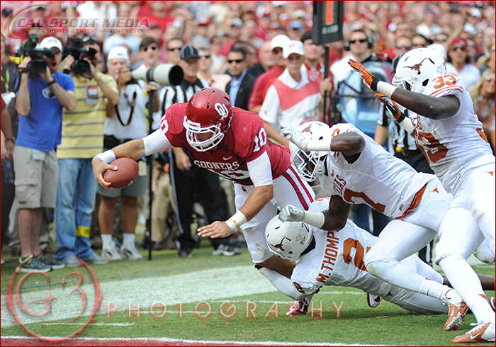 Texas Longhorns vs Oklahoma Sooners Red River Rivalry